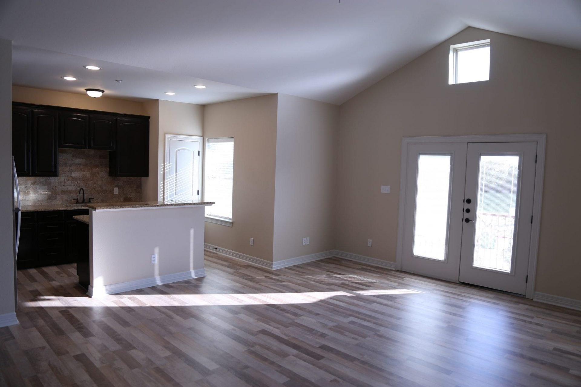 Large 1(one) Bedroom Apartments in Bryan/College Station Next…
