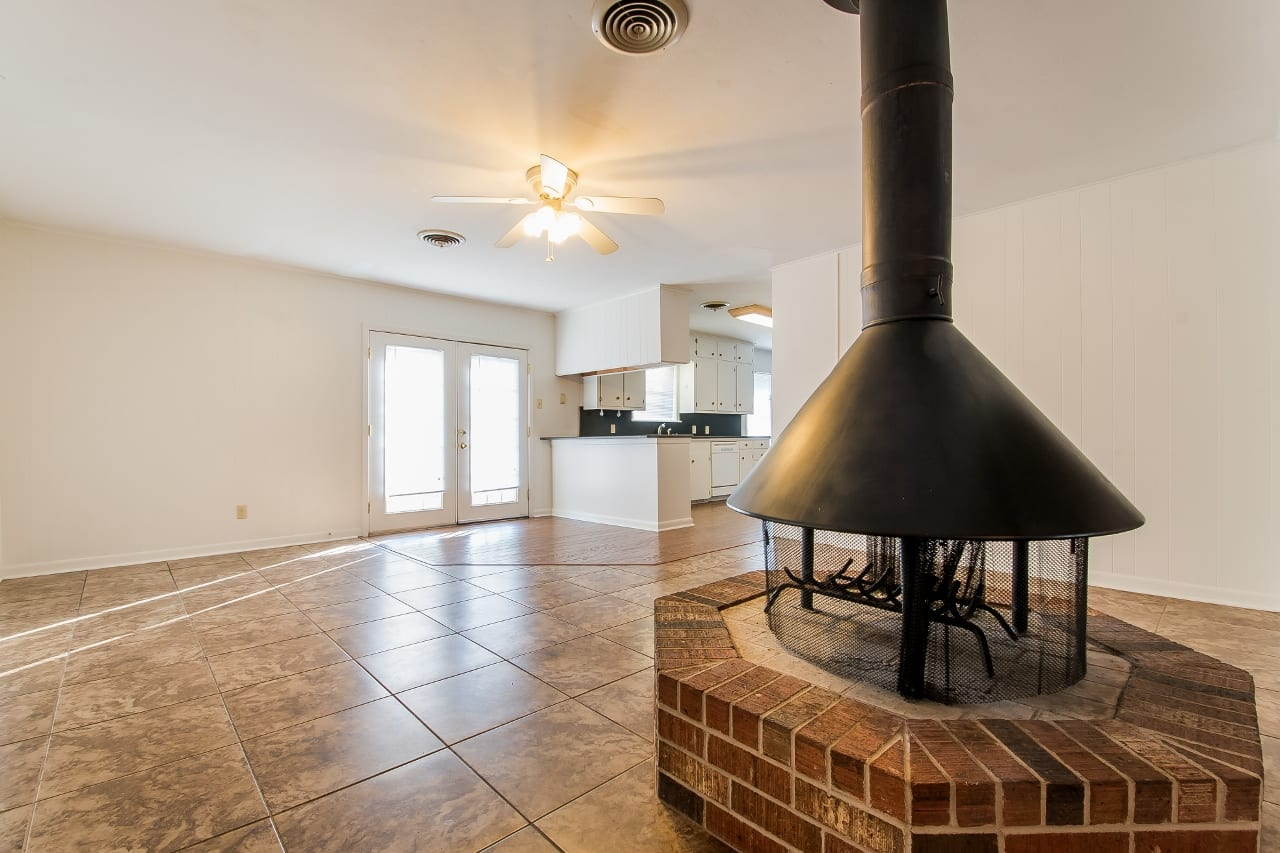 Aggieland Leasing & 4 Bedroom House Rentals-Southside Historic…